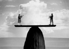 PHILOTHÉRAPIE : Article n°34 : Chefs d'entreprise, salariés : À quoi bon lutter?