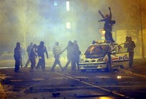 philo leg def attaque police