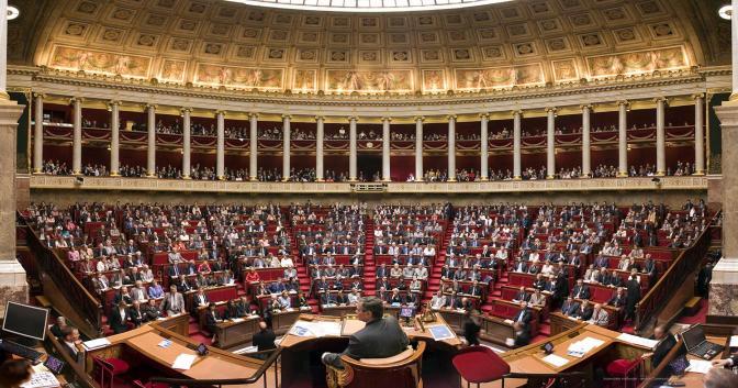 PHILOTHÉRAPIE : Article n°45 : Qui peut encore parler de démocratie ?